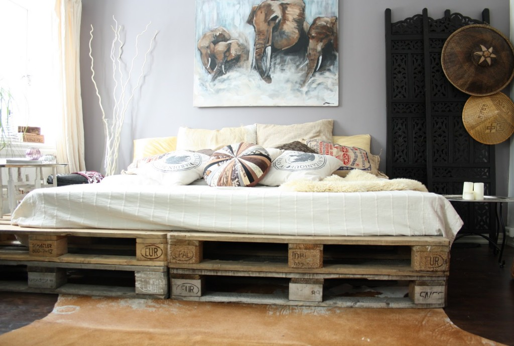 cheap-bed-frame-furniture-from-pallet-diy-decoration-painting-elephants-shabby